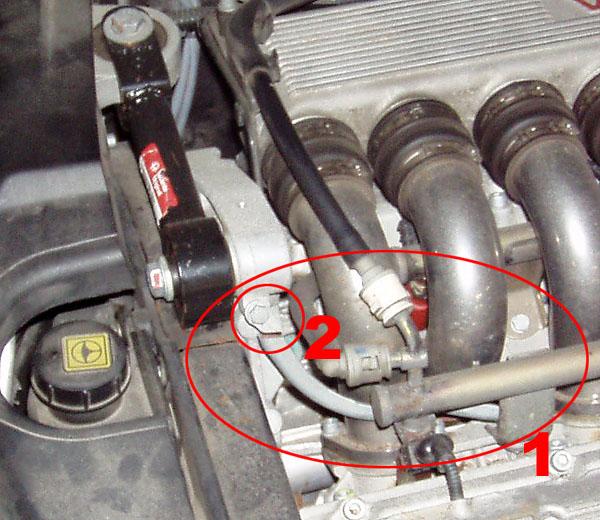 Zerbrochenes Teil(chen) Am 166-V6-Motor.